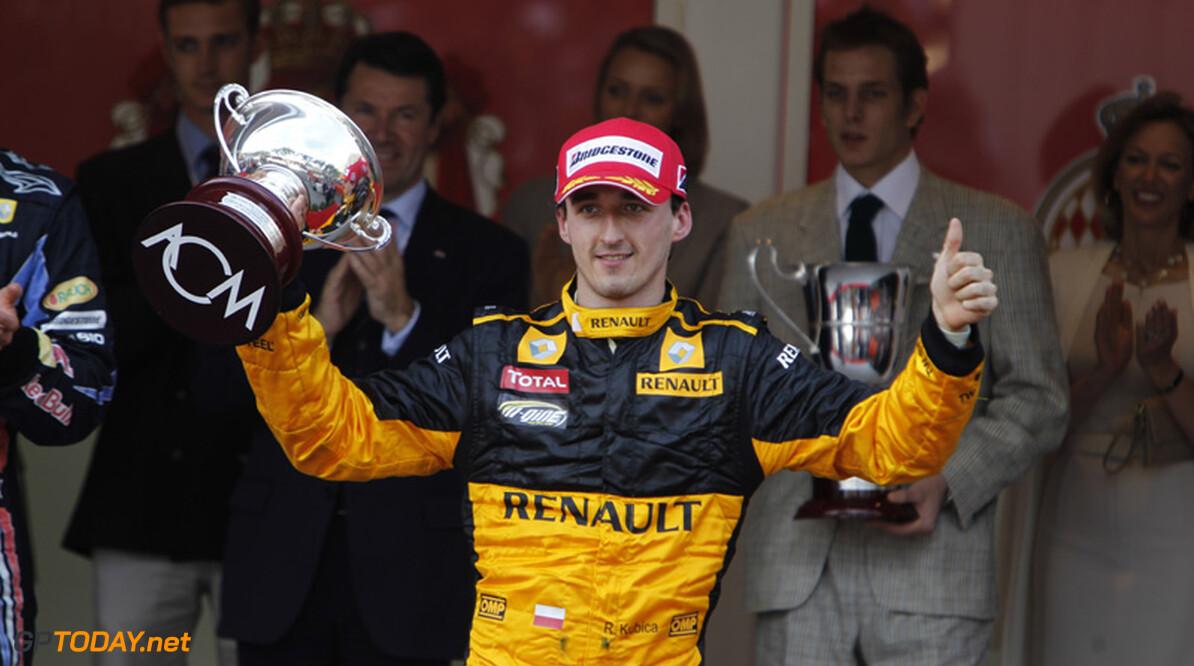 Robert Kubica past stoeltje voor nieuwe Renault R31
