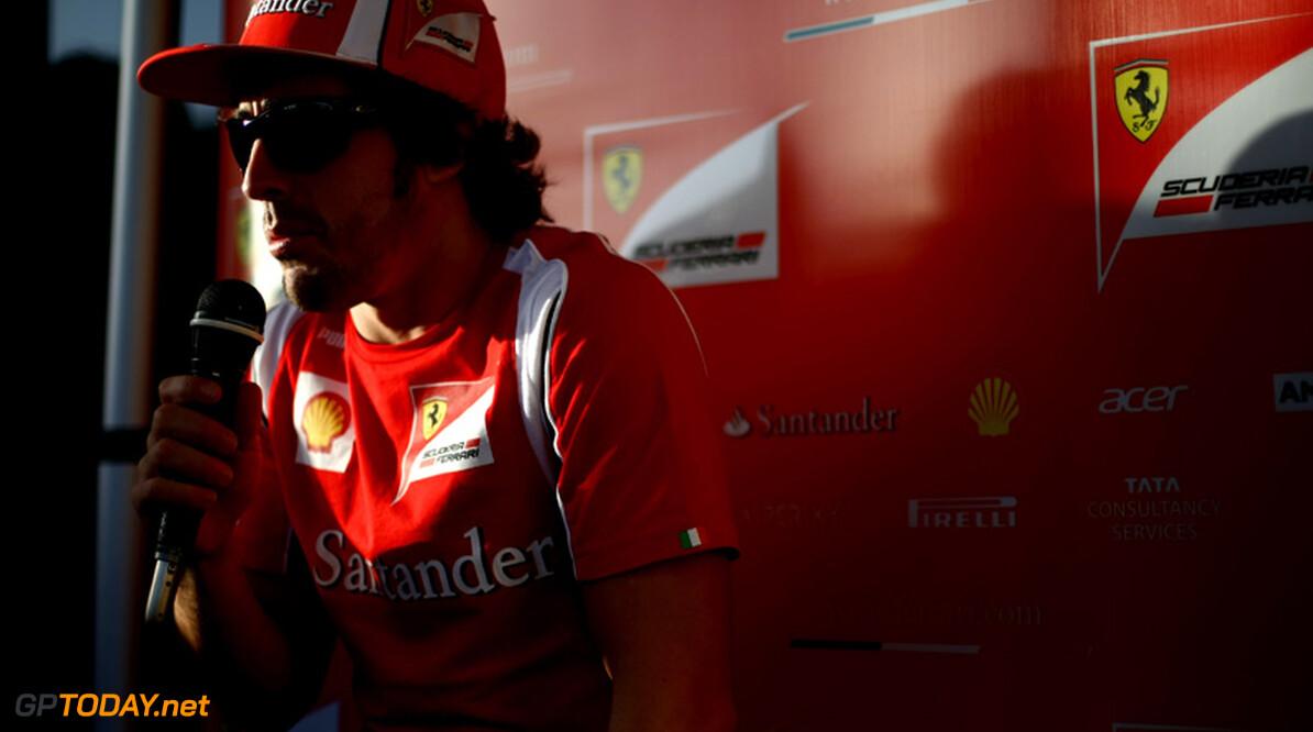 """Alonso roemt verbeterd Ferrari: """"We zijn veel sterker dan vorig jaar"""""""