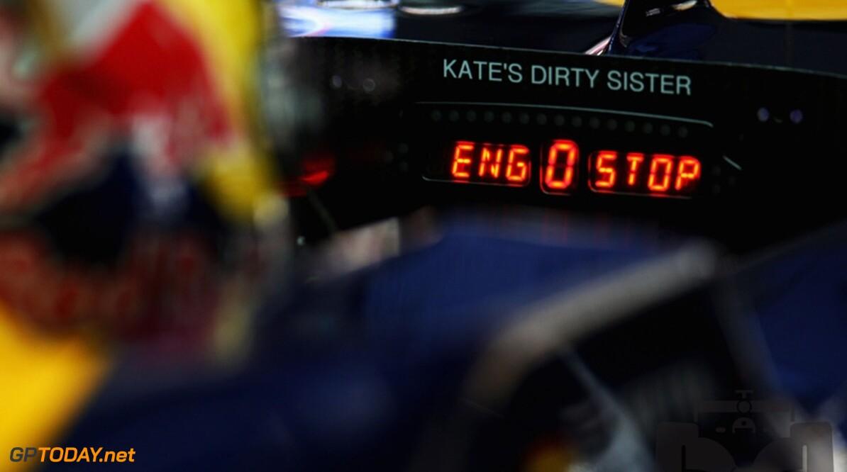 Vettel pakt pole voor Alonso en Webber