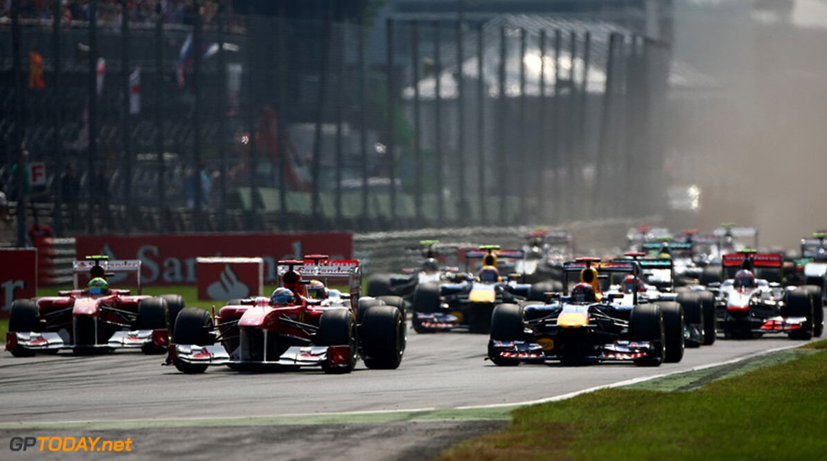 Red Bull Racing, Ferrari, McLaren en Mercedes GP praten over RRA