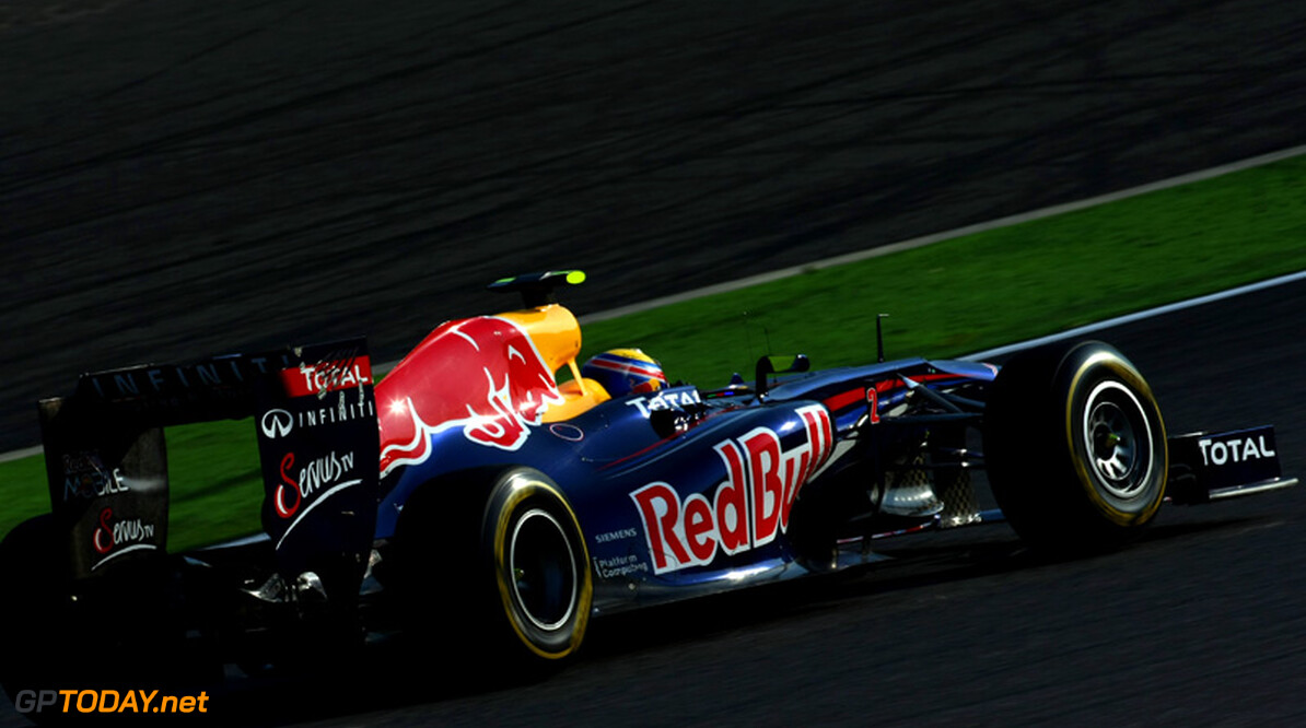 Vettel en Webber van de partij bij feest en demo in Milton Keynes