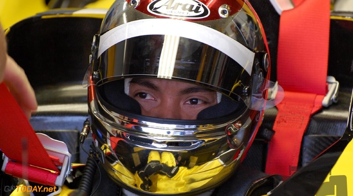 Fairuz Fauzy mikt op racestoeltje bij Lotus F1 Racing