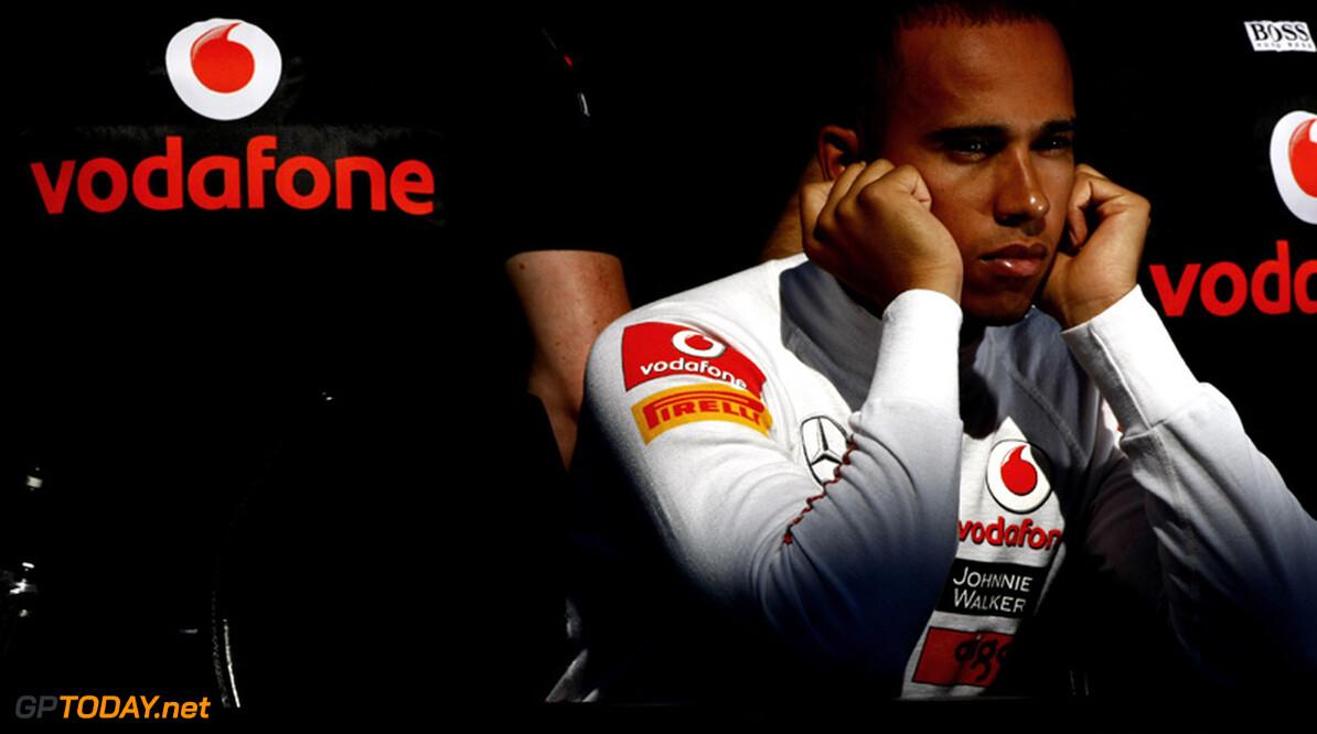 """Hamilton: """"Ik ben niet agressief, ik heb meer geluk nodig"""""""