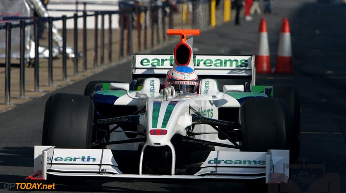Jenson Button voelt zich lekkerder op slicks