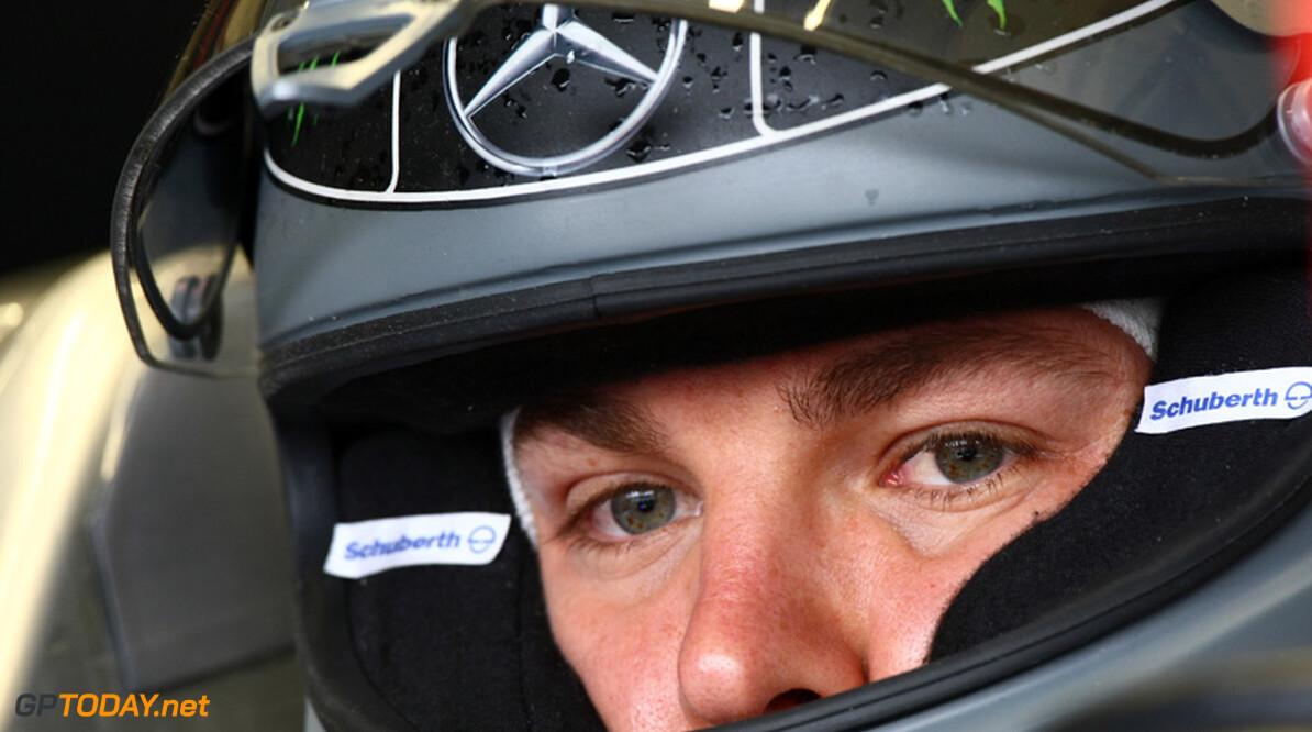 """Rosberg: """"Uitgang van de pits veranderen is het overwegen waard"""""""
