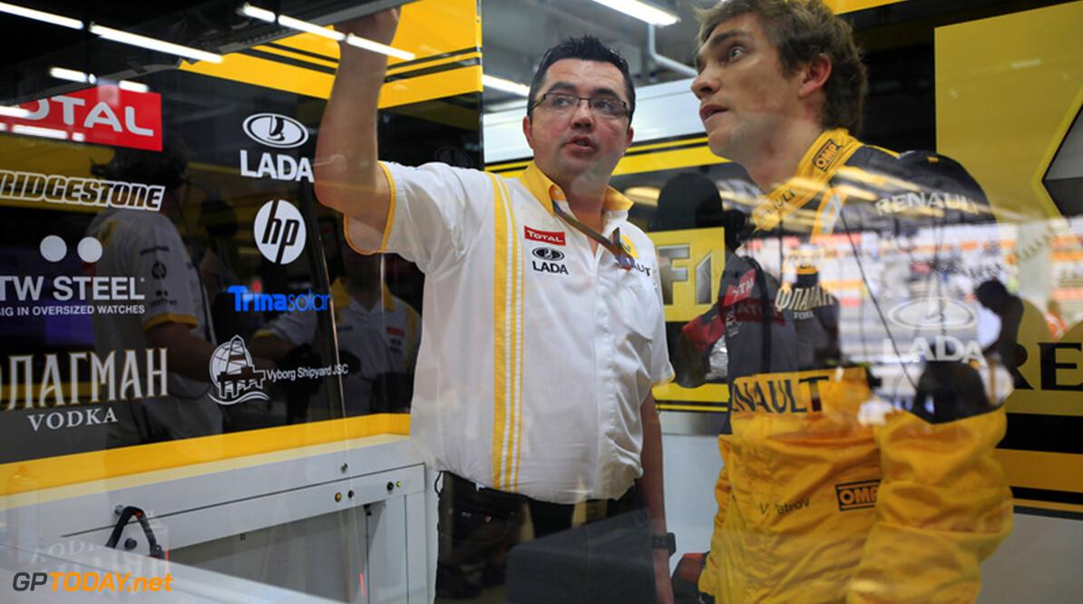 'Vitaly Petrov op rand van nieuw contract bij Renault'