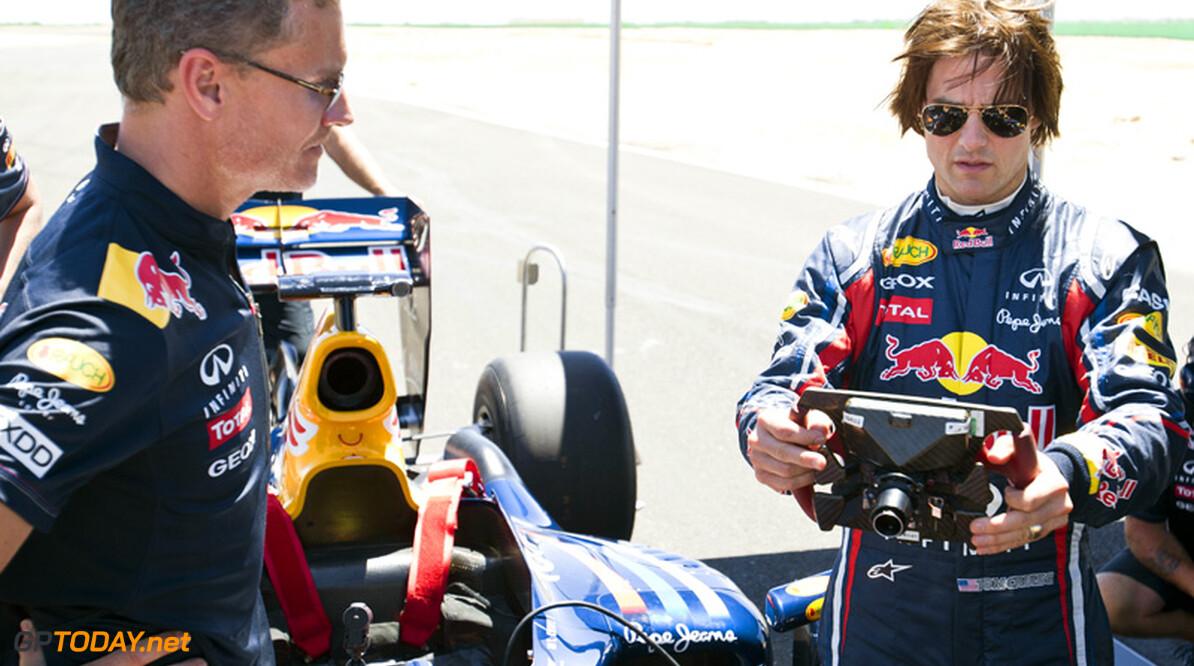 Red Bull Racing test met Tom Cruise op Willow Springs