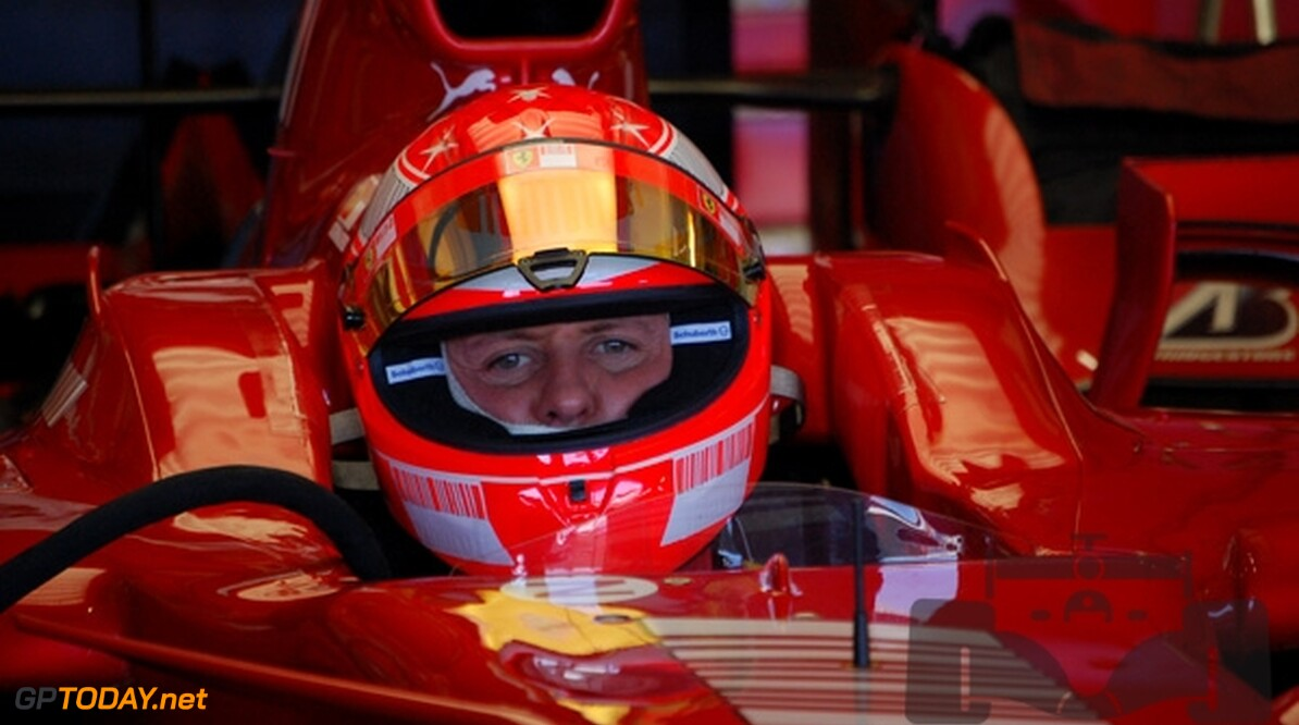 Honda wil Michael Schumacher in WK Superbikes inzetten