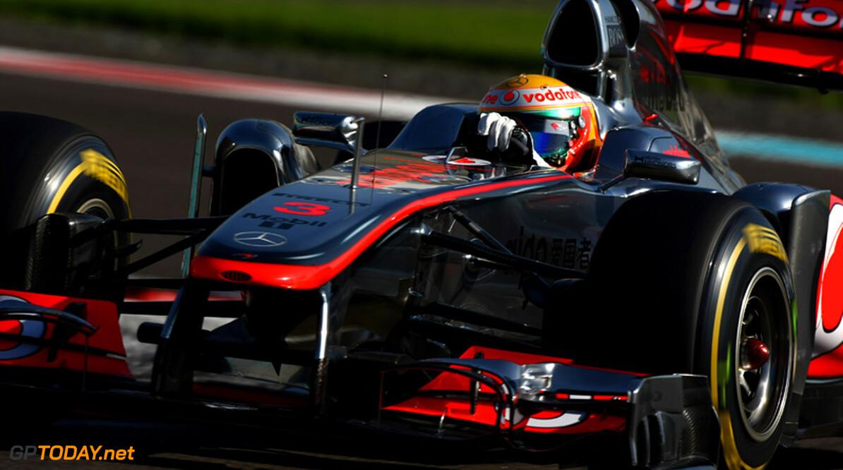 VT2: McLaren neemt initiatief met snelste tijd voor Hamilton