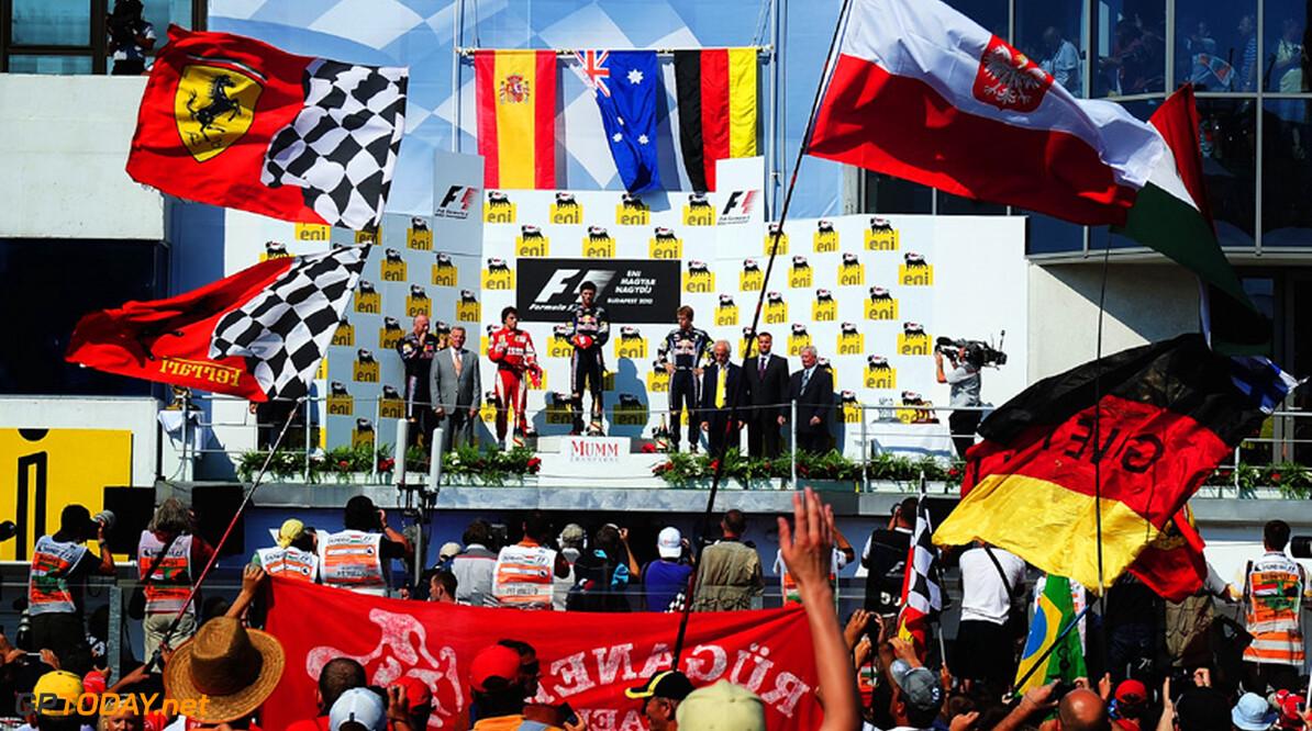 Flavio Briatore tipt Mark Webber voor de titel van 2010