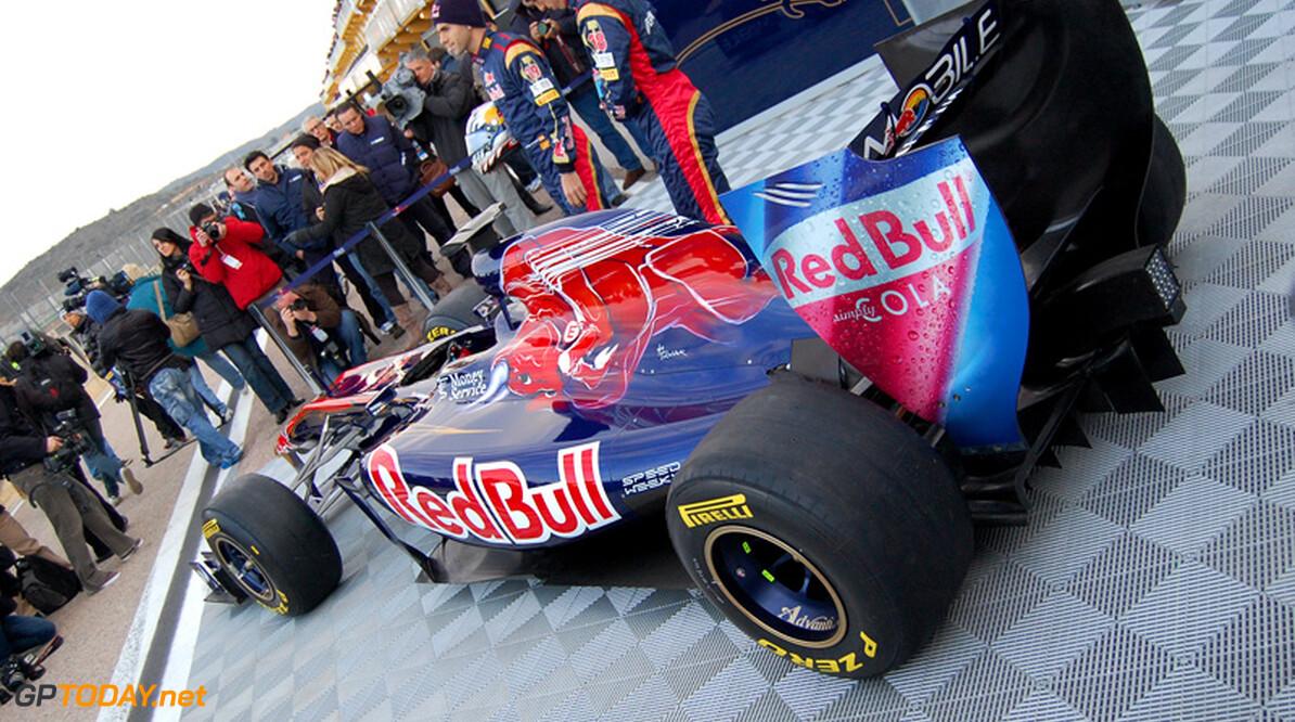 Trucks Toro Rosso zwaar beschadigd bij ongeval op Duitse snelweg