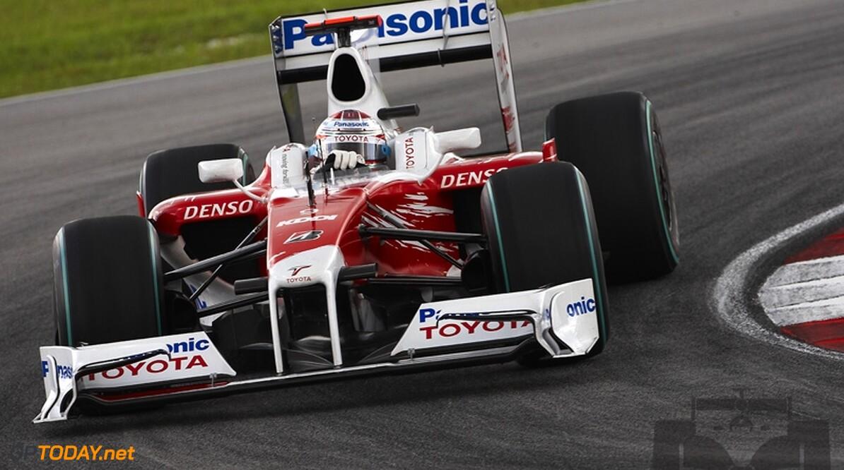 Trulli pakt pole position in Bahrein