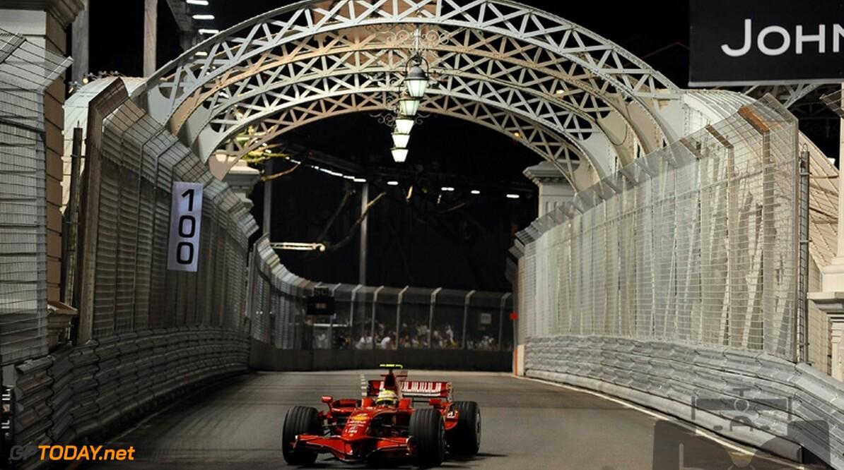 Massa pakt allereerste nachtelijke pole position in Singapore