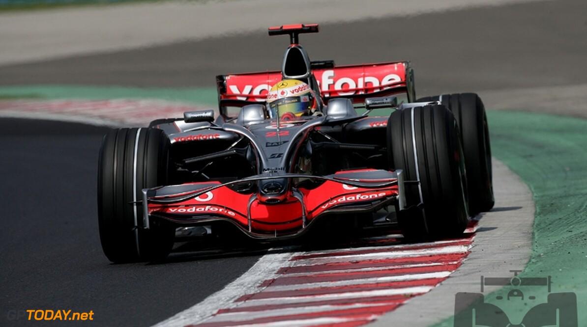 McLaren met nieuwe achtervleugel naar Brazilië