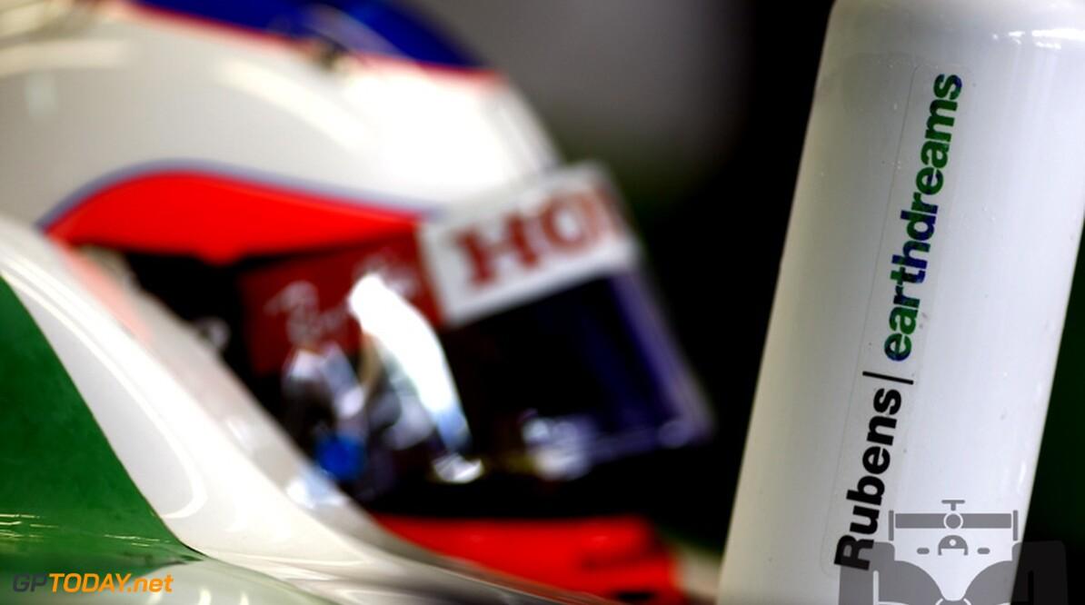 Barrichello zegeviert in kartevenement van Felipe Massa