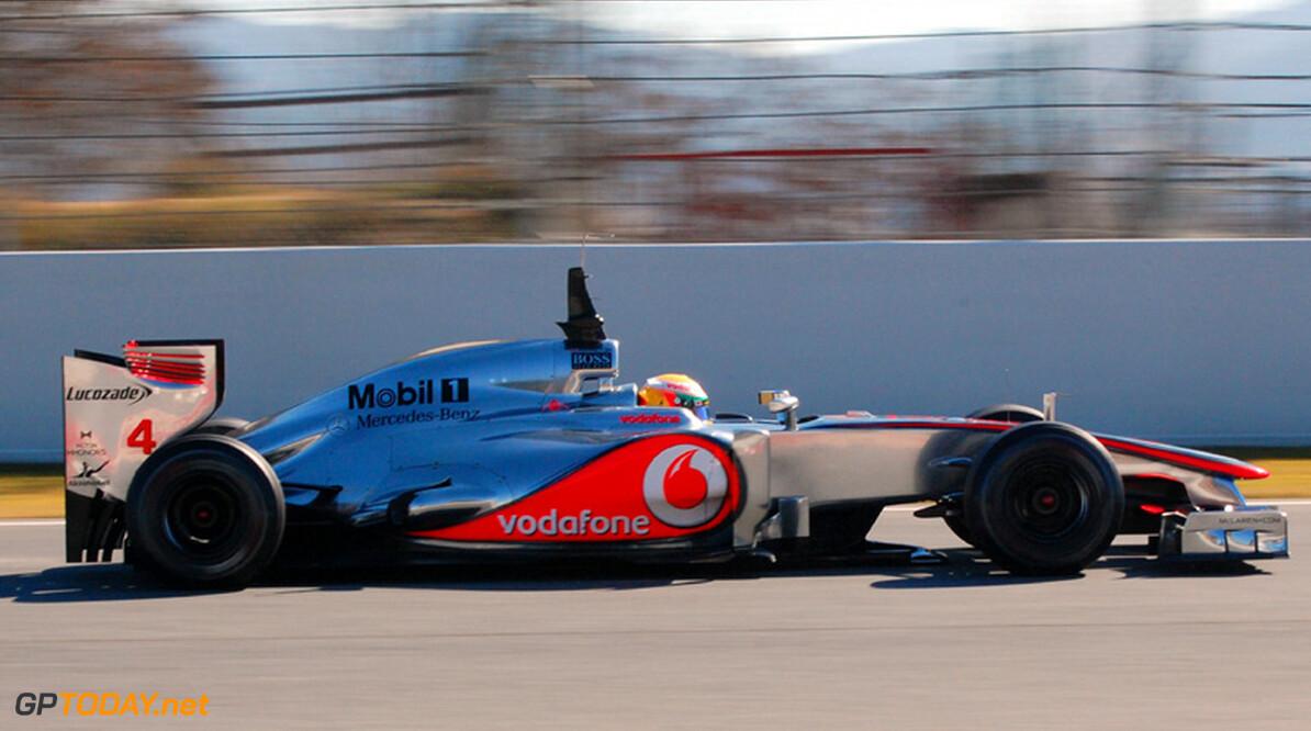 Hamilton positief verrast door gedrag MP4-27 in snelle bochten