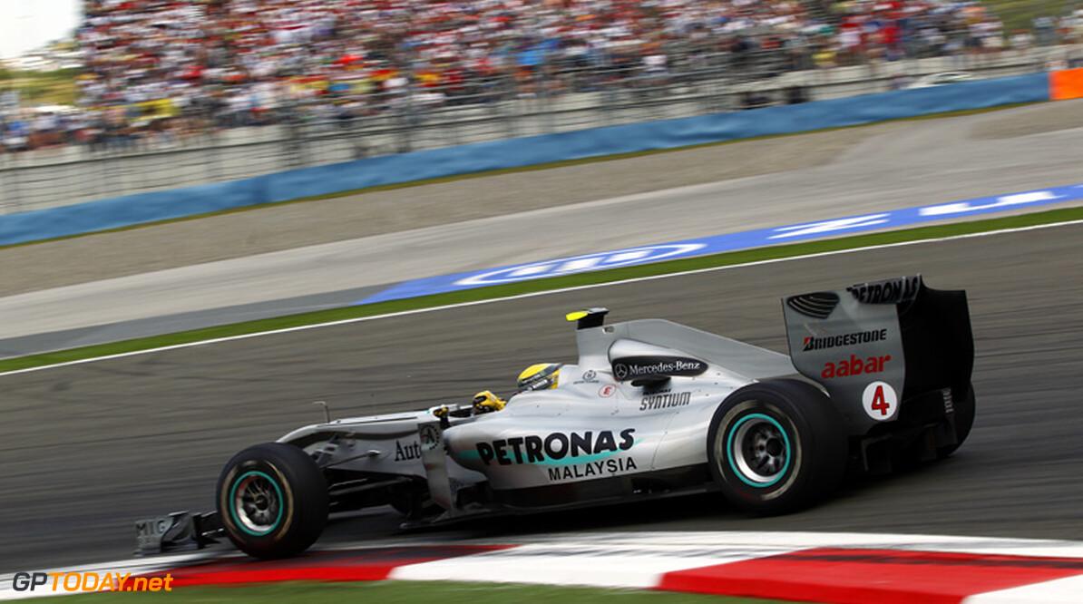 """Mercedes: """"Als wij niet kunnen winnen, dan maar McLaren"""""""