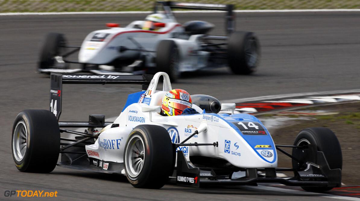 Laurens Vanthoor gediskwalificeerd na afloop tweede race