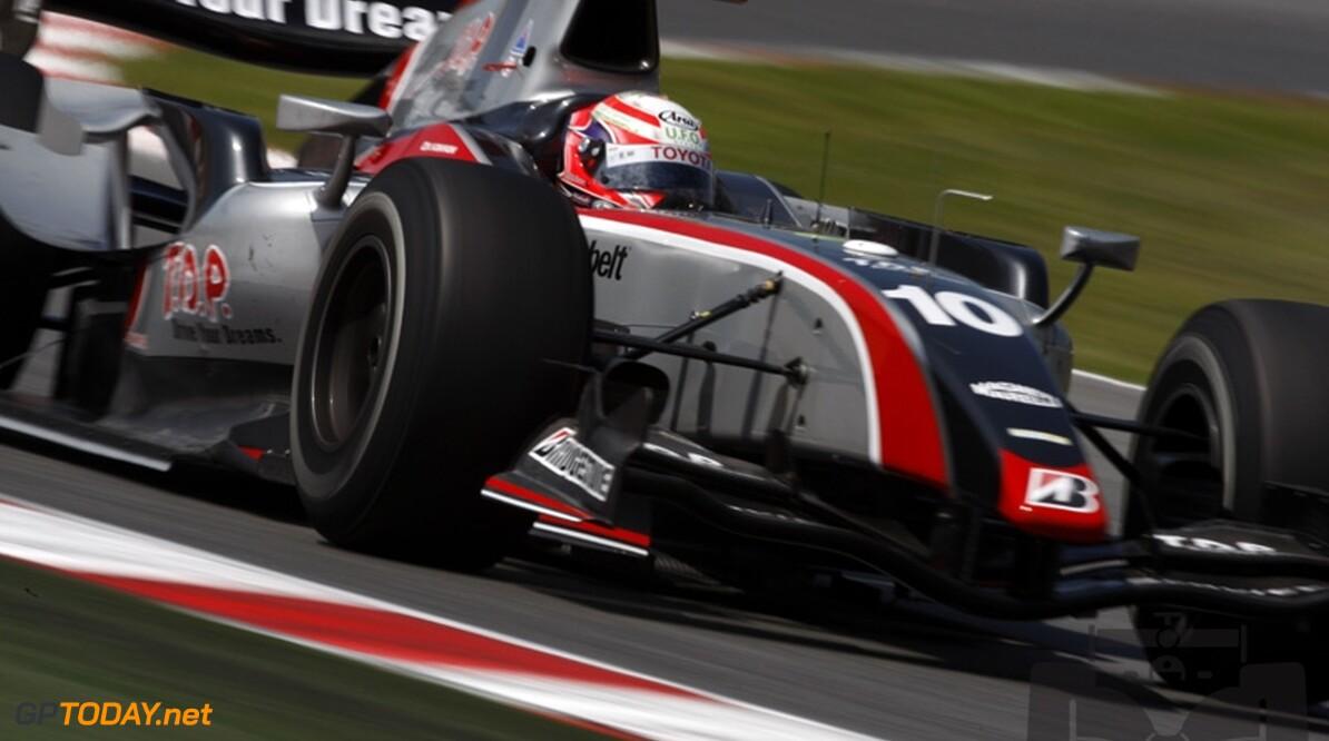 Kobayashi wint race 1 in Dubai, Van der Garde vierde