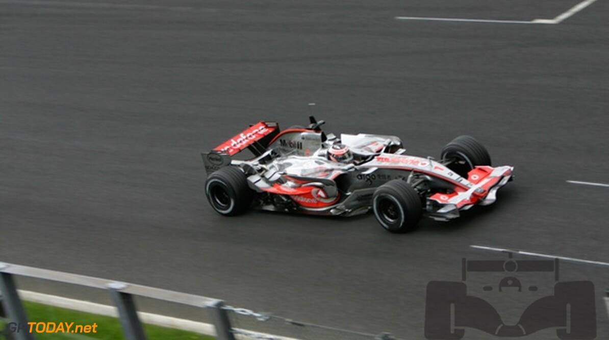 Alonso weet niet of hij wel kan winnen