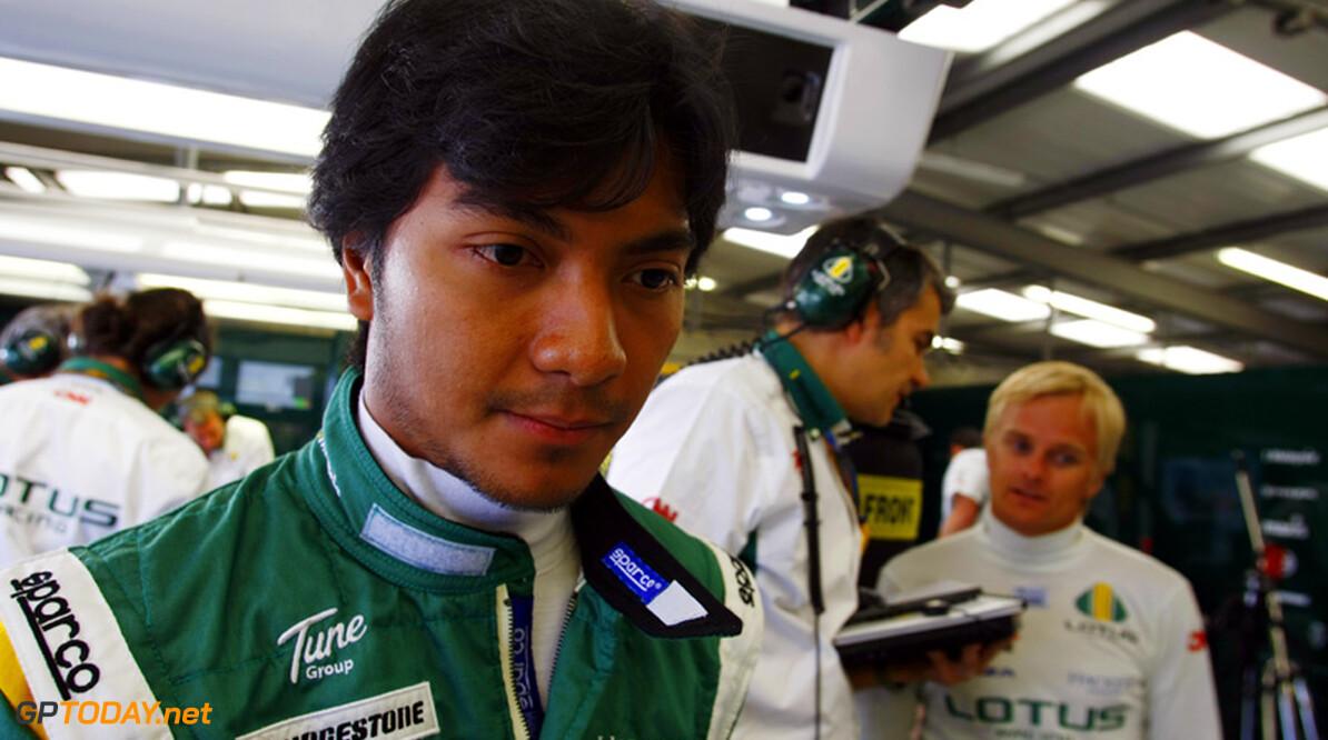 Lotus Racing en testrijder Fairuz Fauzy uit elkaar
