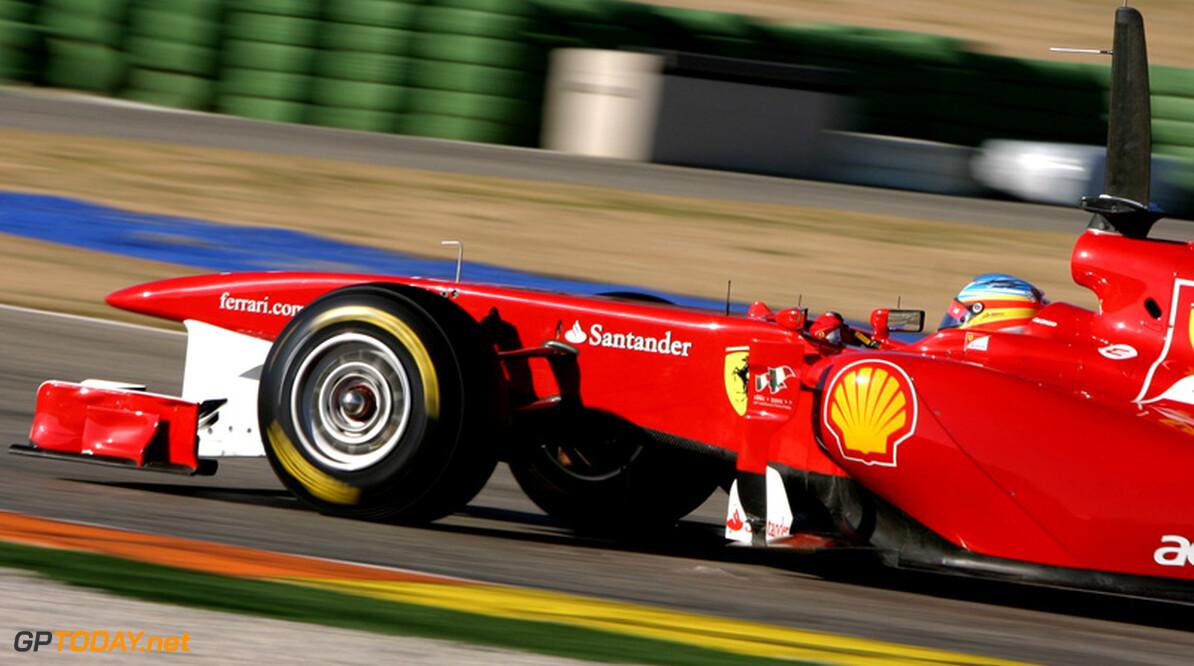 """Alonso: """"Leven bij Ferrari bevalt me nog beter dan verwacht"""""""