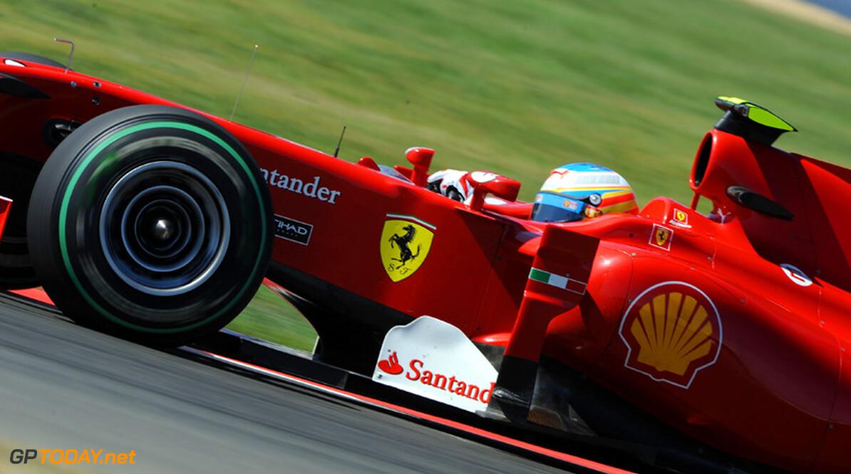 """Alonso optimistisch: """"Het moet toch een keer mee zitten"""""""