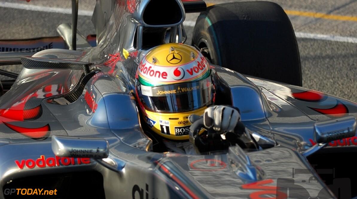 Hamiltons McLaren snelste 2009-auto tijdens derde testdag
