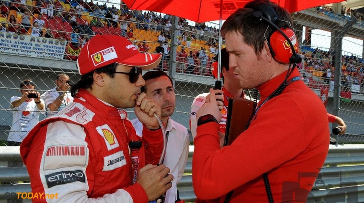 Felipe Massa rijdt zes rondjes in een kart