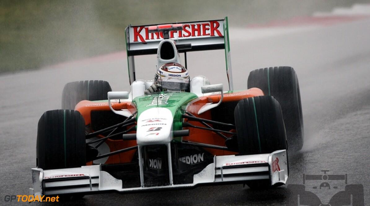 VT2: Sutil verslaat Vettel op kletsnat Suzuka