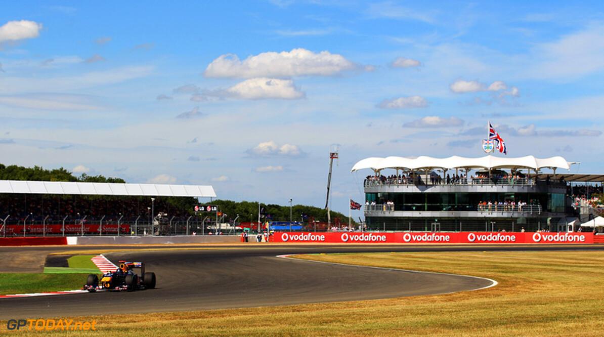 Vettel geeft koppeling de schuld van slechte start