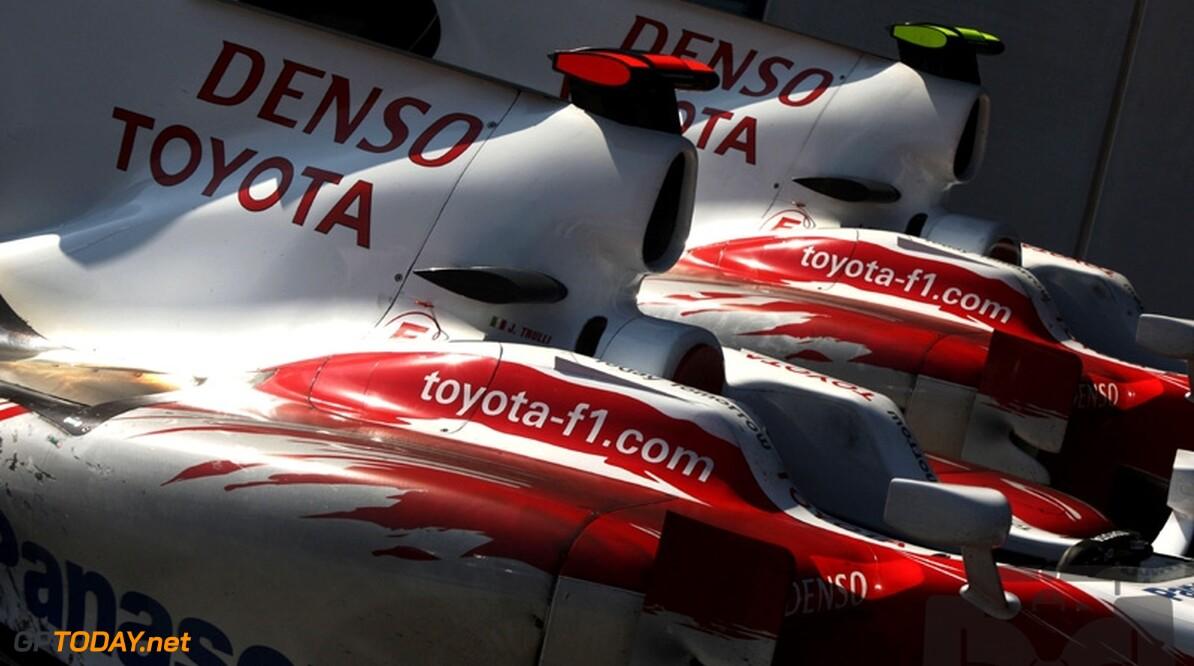 Toyota biedt ontwerpen van 2010-bolide te koop aan