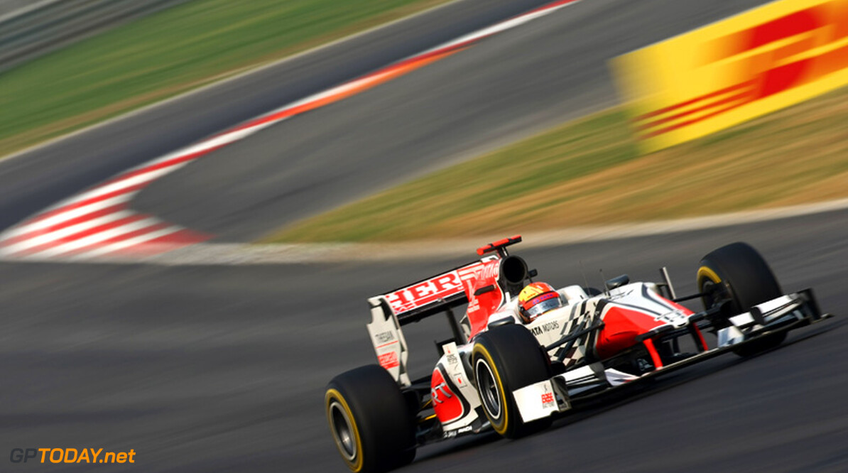 Karthikeyan krijgt penalty voor ophouden Schumacher