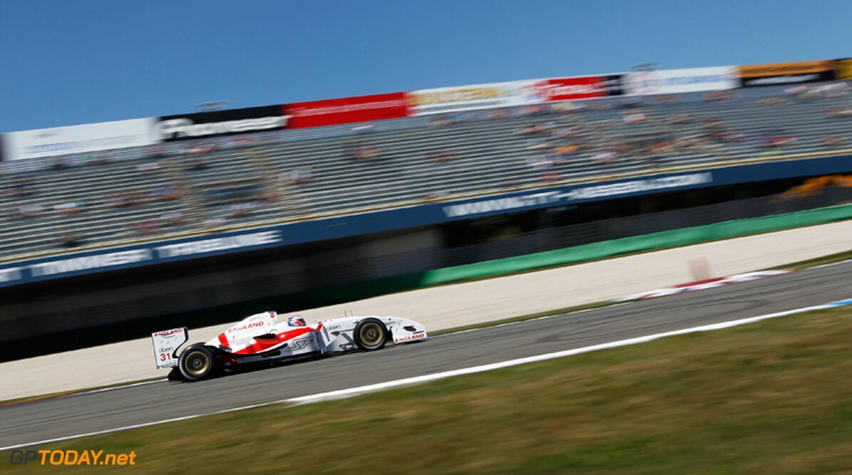 Craig Dolby verslaat Van der Drift voor pole position in Zolder