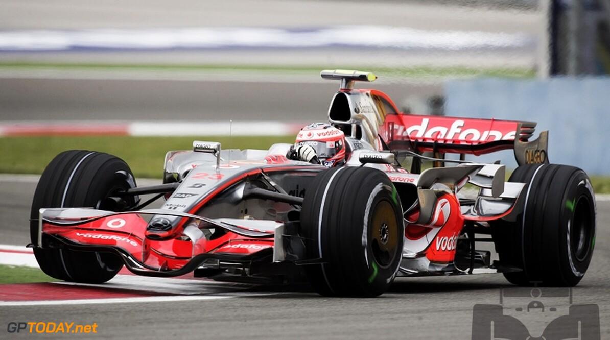 McLaren wisselt opnieuw van positie in pitstraat