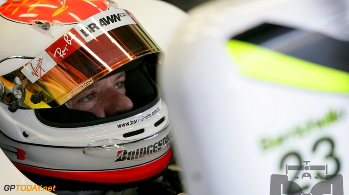 Barrichello pakt pole position op thuiscircuit