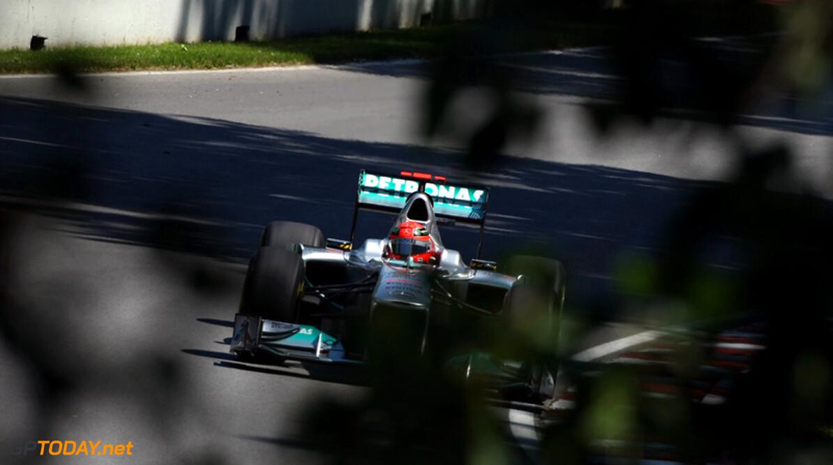 """Michael Schumacher: """"Ik zal volgend jaar racen, dat is zeker"""""""