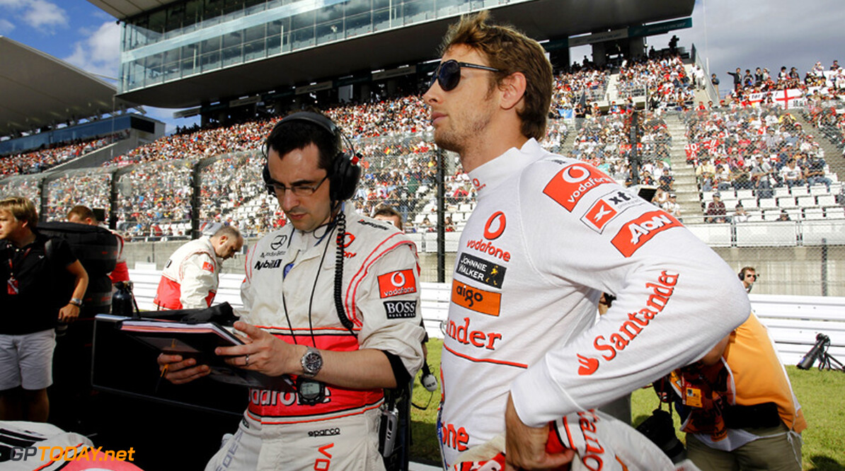 Jenson Button ontsnapt aan gewapende overval in Brazilië