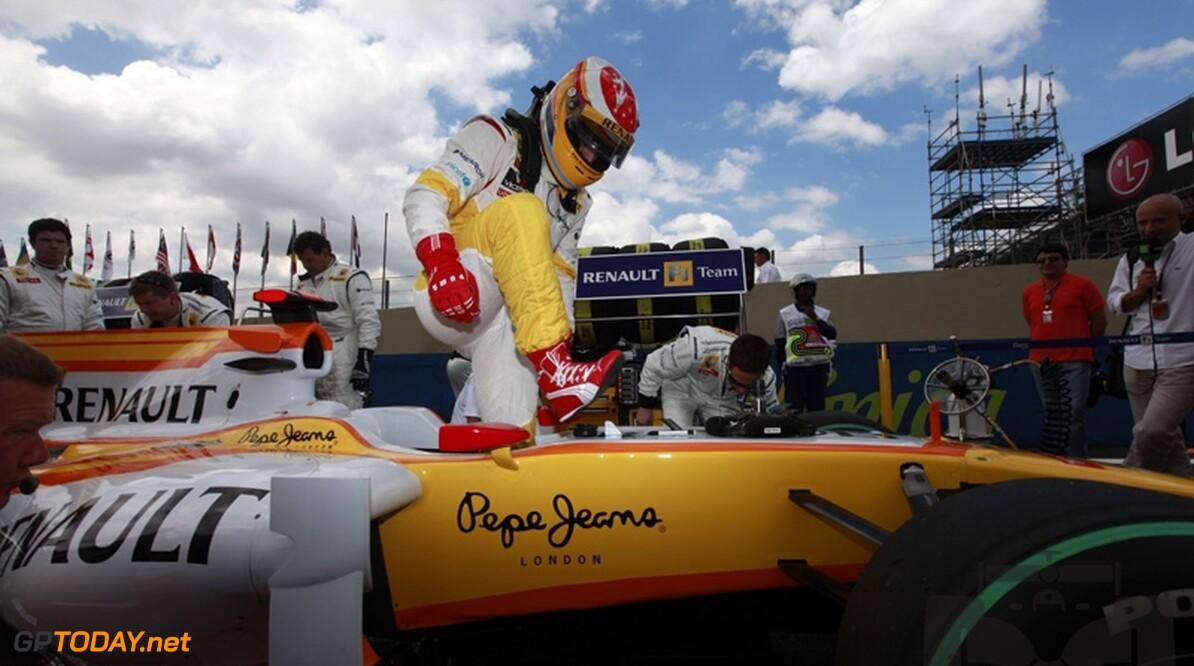 Briatore sluit uit dat Alonso verkast naar Renault