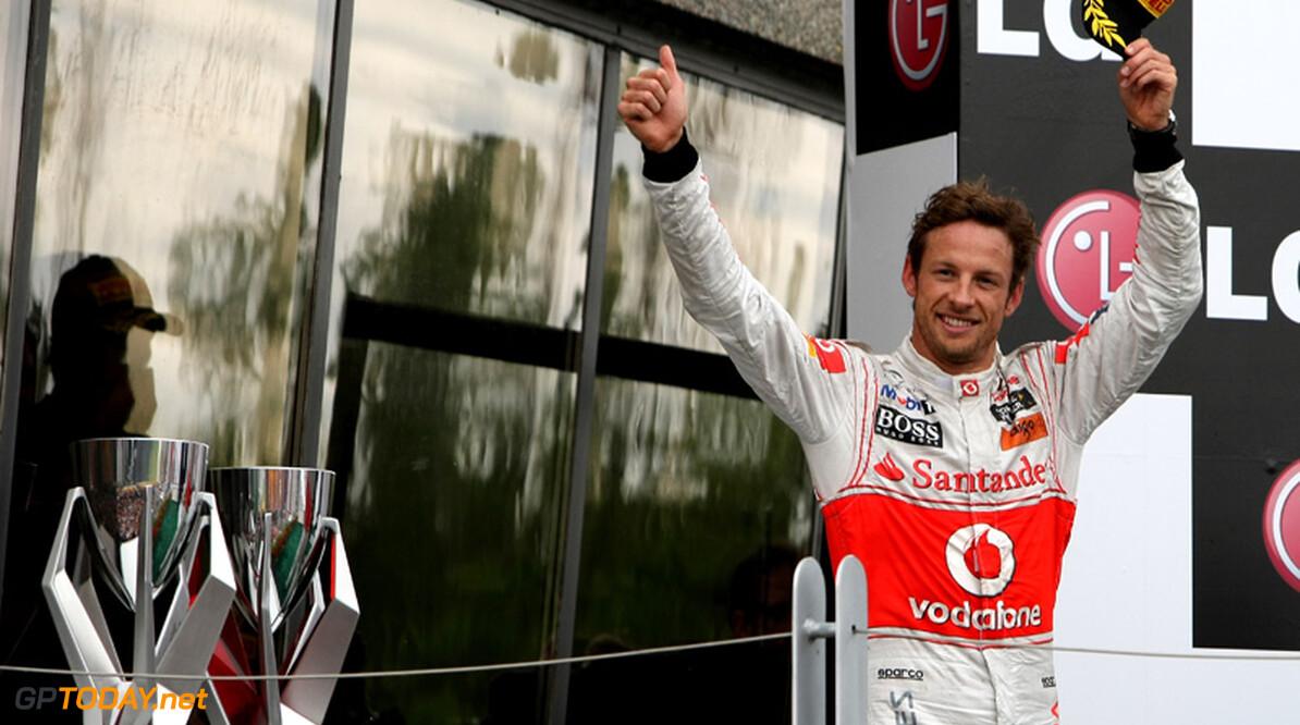 Jenson Button wint in Japan, Vettel voor tweede maal wereldkampioen