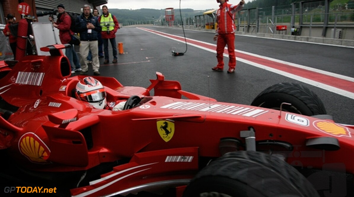 VT3: Ferrari leidt McLaren, Spyker blijft snel