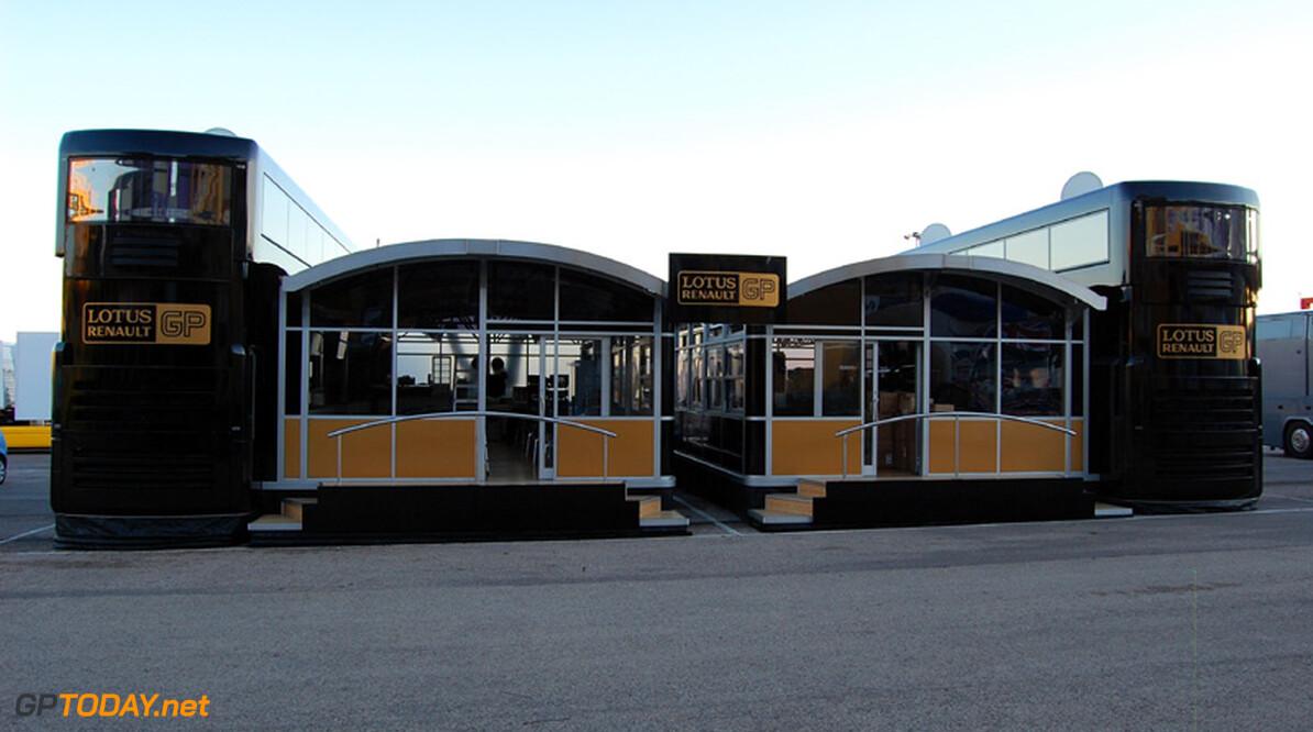Lotus Renault klopt aan bij Heidfeld en De la Rosa