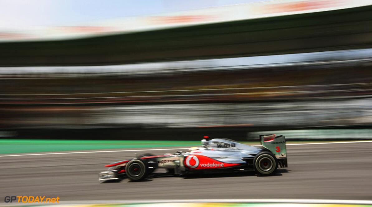 Lewis Hamilton eindigt moeizaam seizoen in mineur
