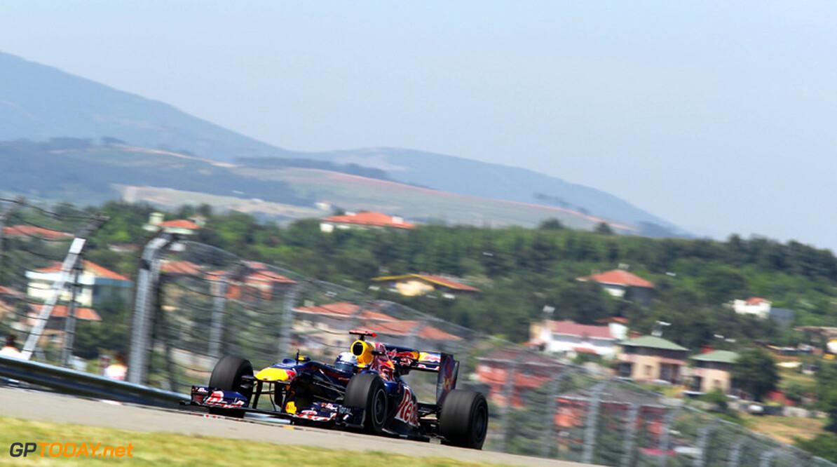 VT3: Sebastian Vettel verslaat Rosberg in afsluitende training