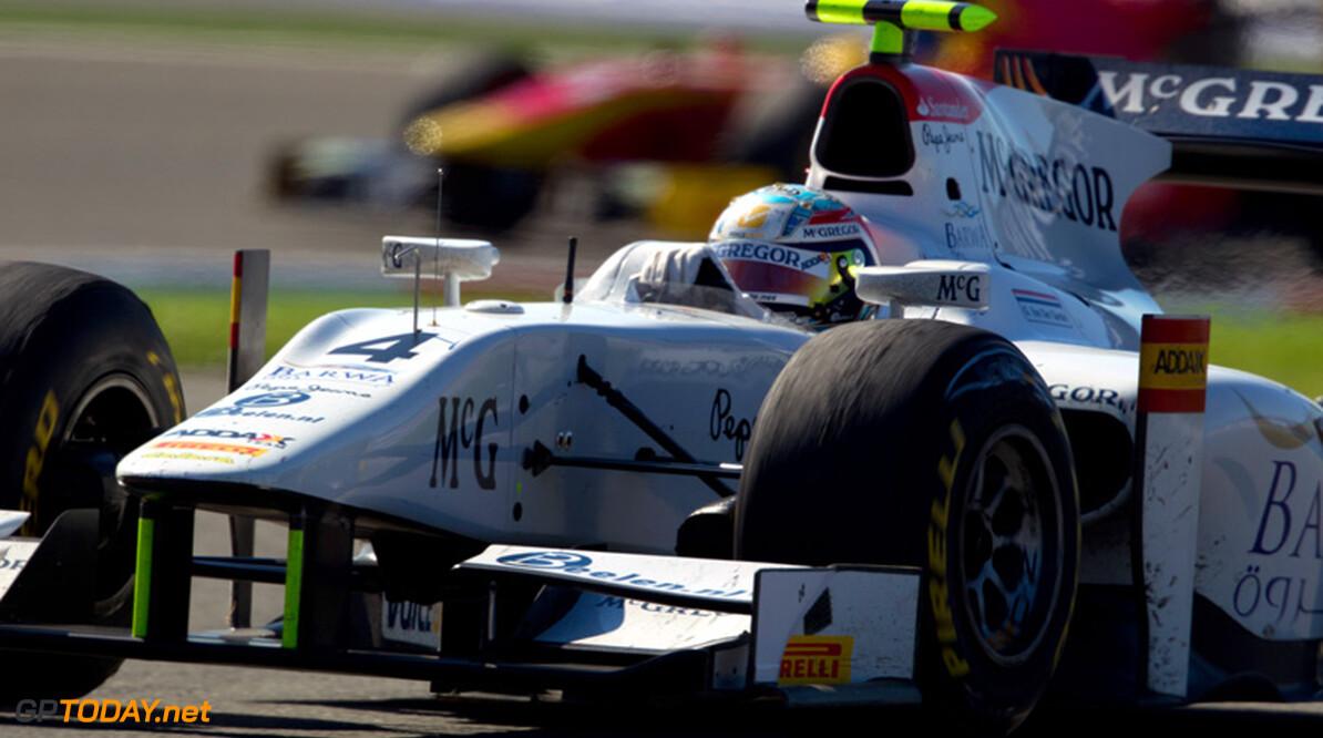 Grosjean start sterk in Barcelona, Van der Garde vierde