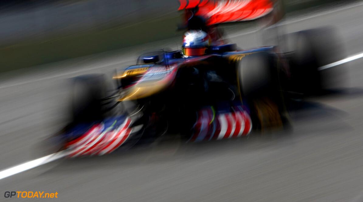 Alguersuari en Buemi zetten Toro Rosso vlak voor Sauber