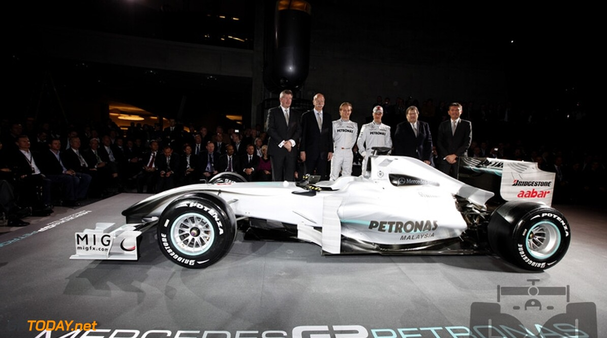 Mercedes GP presenteert livery, Schumacher en Rosberg