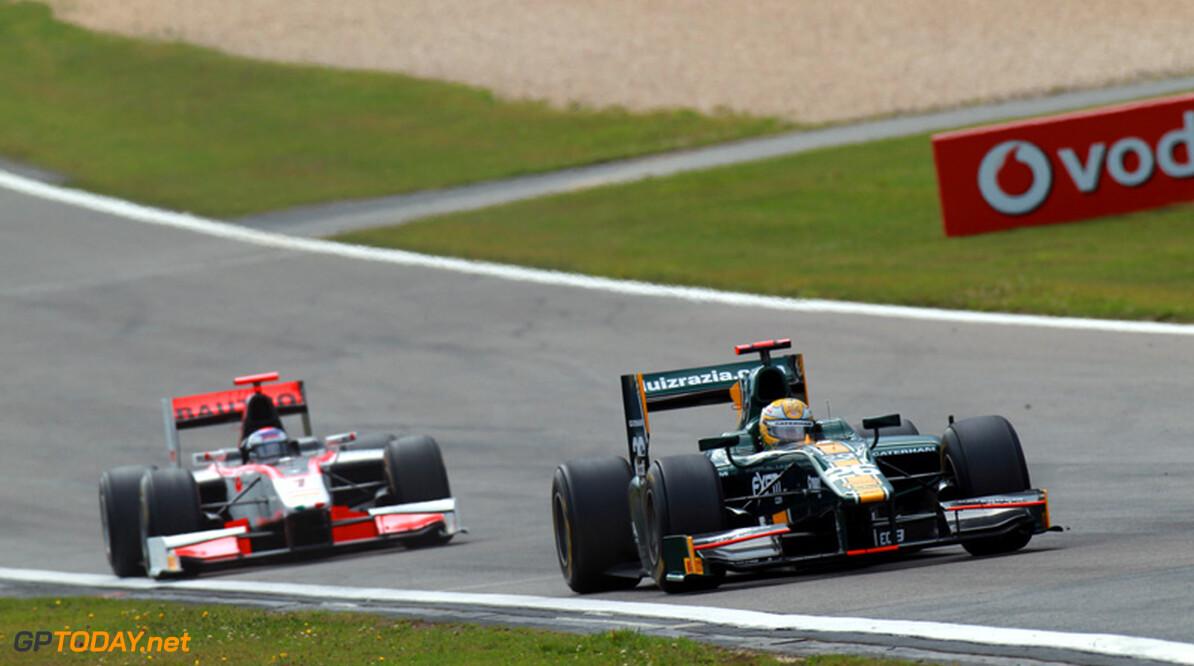 Luiz Razia rijdt eerste vrije training in Brazilië voor Team Lotus