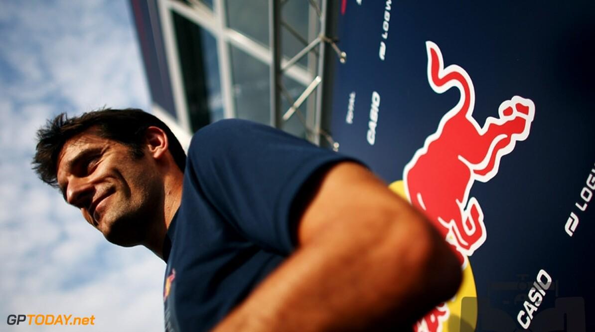 Mark Webber schikt zich in dienende rol voor Vettel
