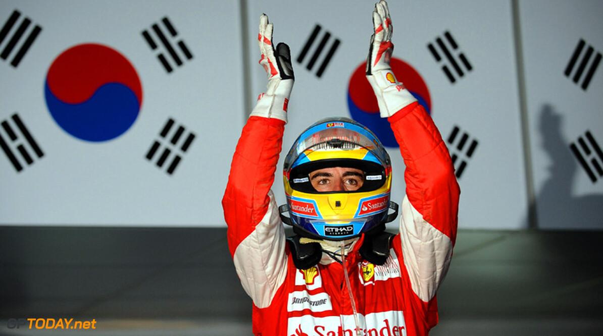 Fernando Alonso zet belangrijke stap richting wereldtitel in Korea